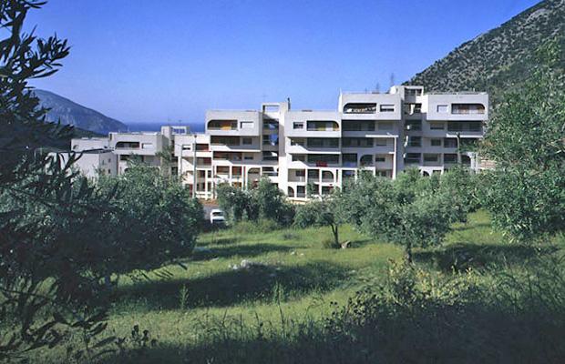 ASPRA SPITIA HOUSING GROUPS – Beotia Aluminium of Greece, Company Town